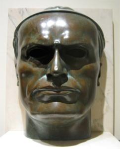 Busto di Mussolini